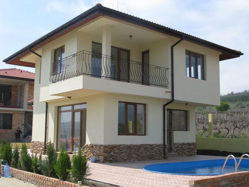 buying or building house in Bulgaria